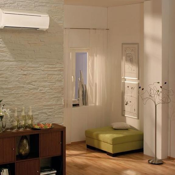 Daikin FWT02CT nástěnný fan coil v interiéru - elegantní vzhled